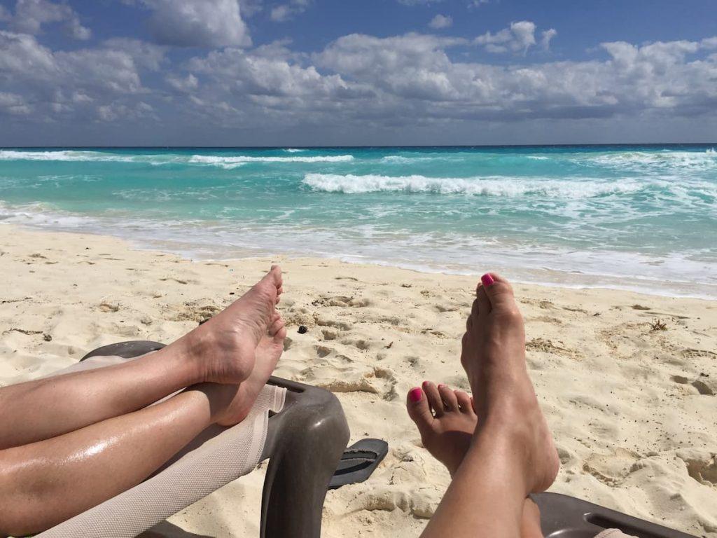 cancun-zilara-feet-beach