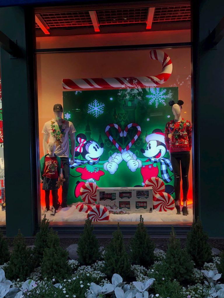 downtown-disney-store-window-displays-2019