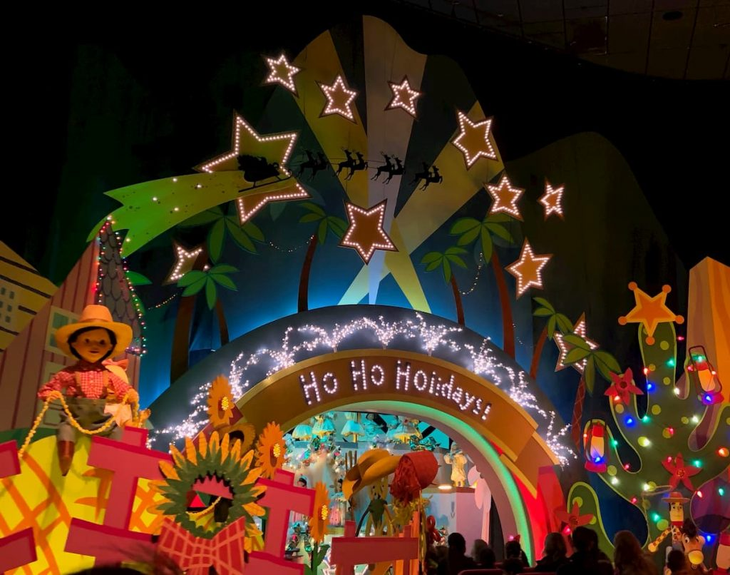 it's-a-small-world-ho-ho-holidays-christmas