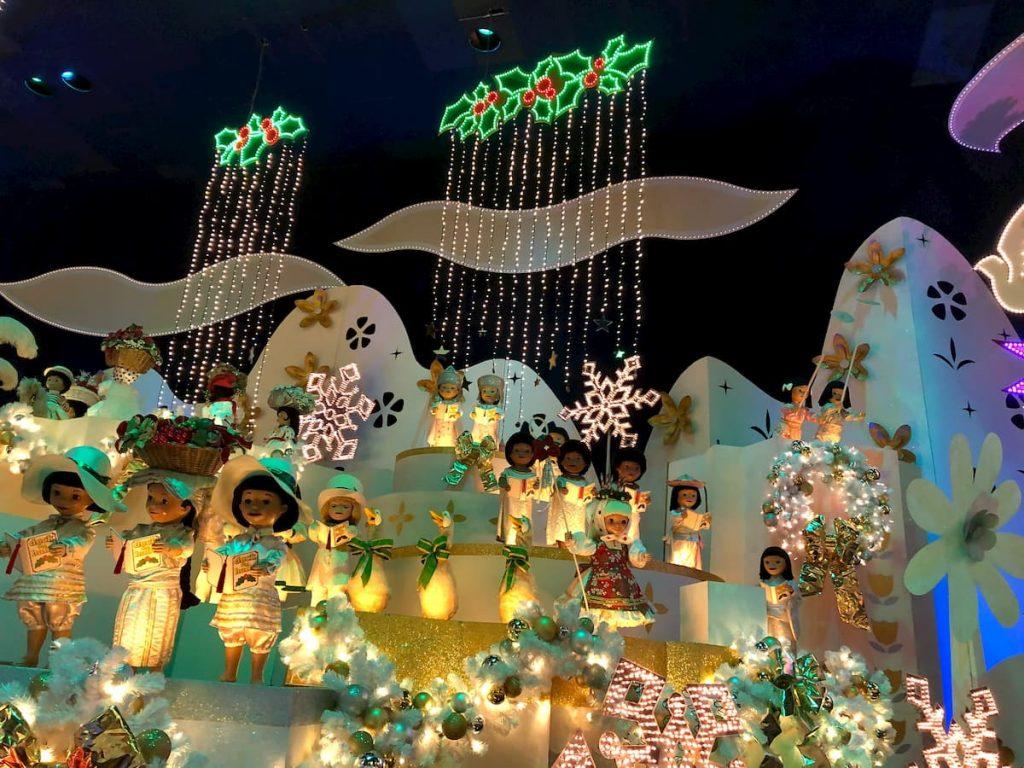 it's-a-small-world-christmas-kids-2019