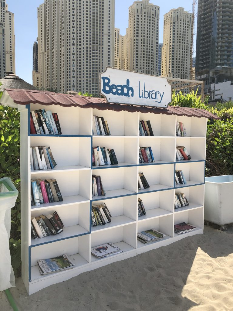 ritz-carton-dubai-beach-library