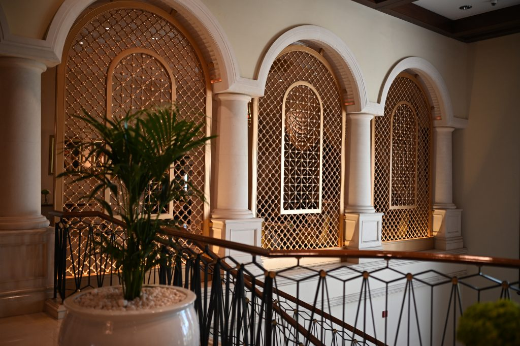 ritz-carton-dubai-lobby-architecture