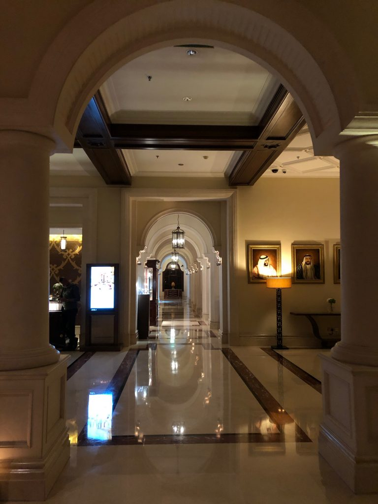 ritz-carton-dubai-lobby-hallways