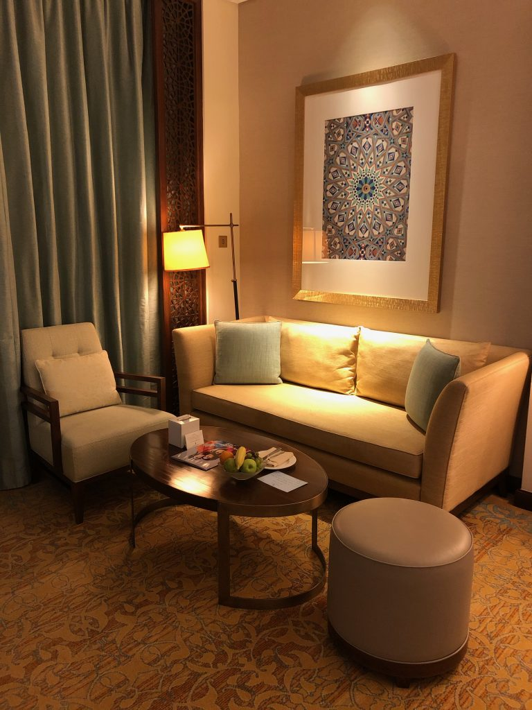 ritz-carlton-dubai-room-sofa-chair-table
