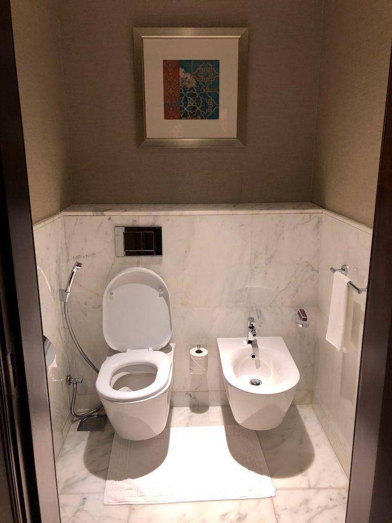 ritz-carton-dubai-toilet-bidet
