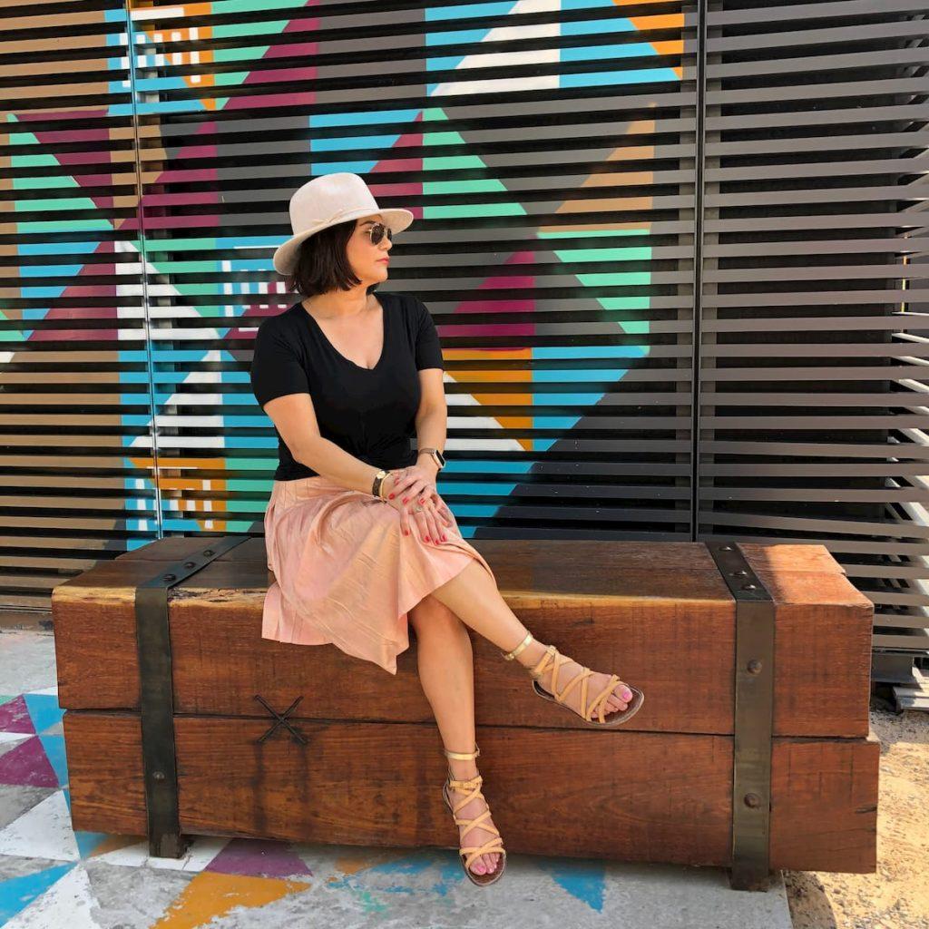 la mer street art cafes and alleyways