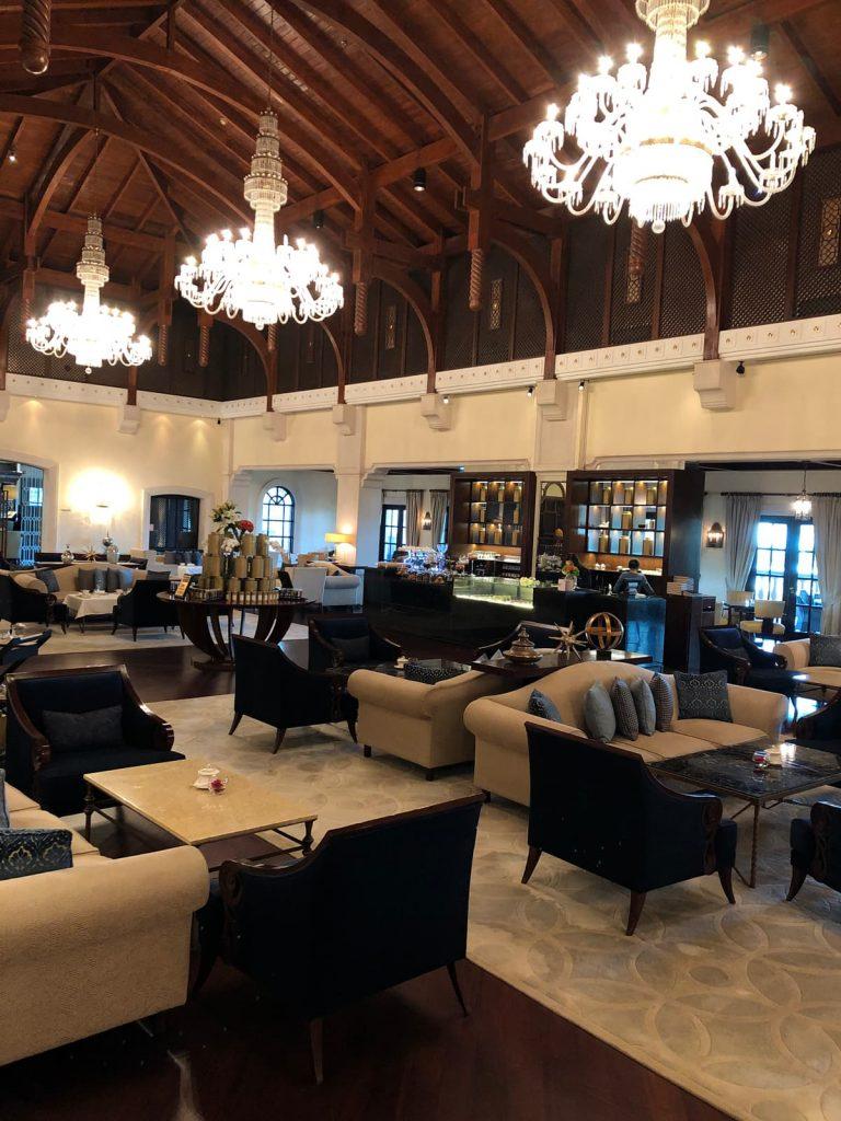 ritz-carton-dubai-lobby-lounge-seating