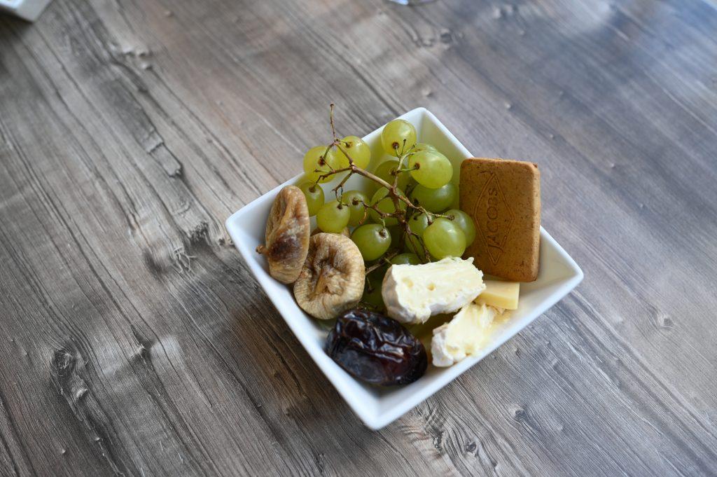 ritz-carton-club-lounge-figs-afternoon-tea