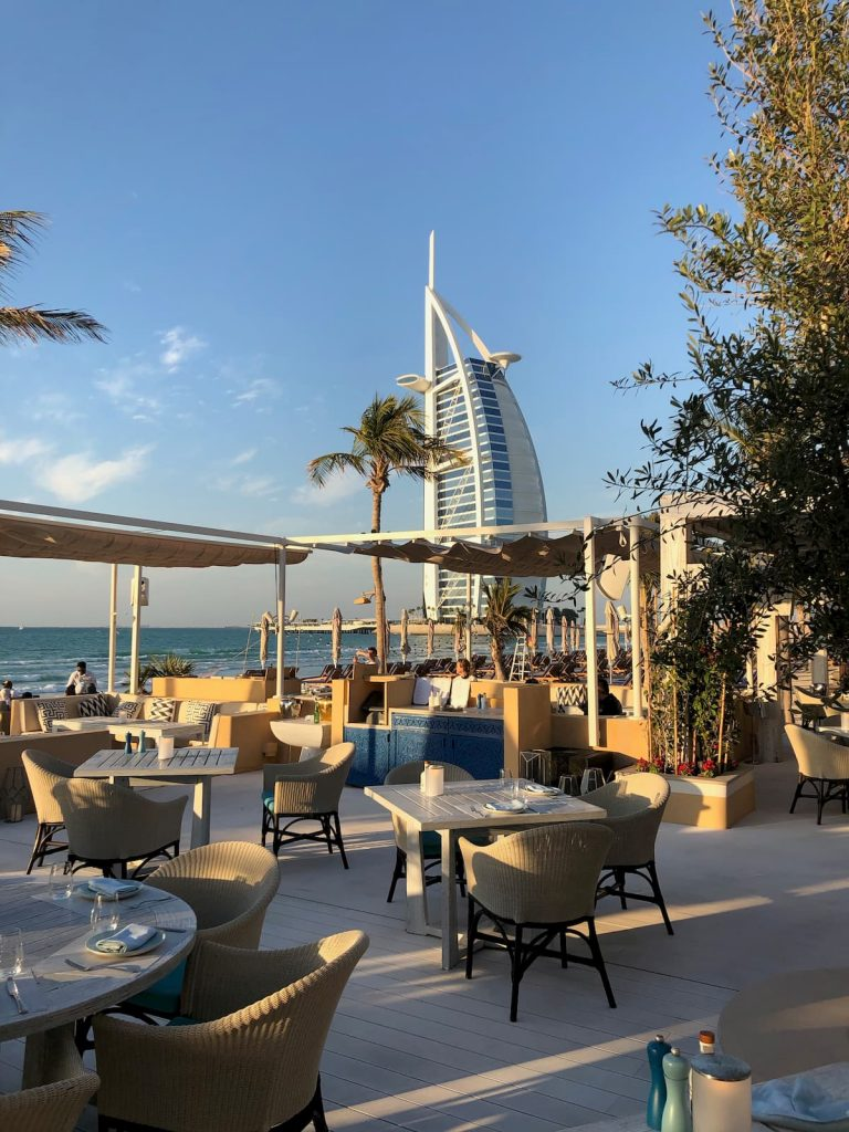 shimmers-dubai-chairs-tables-burj-al-arab