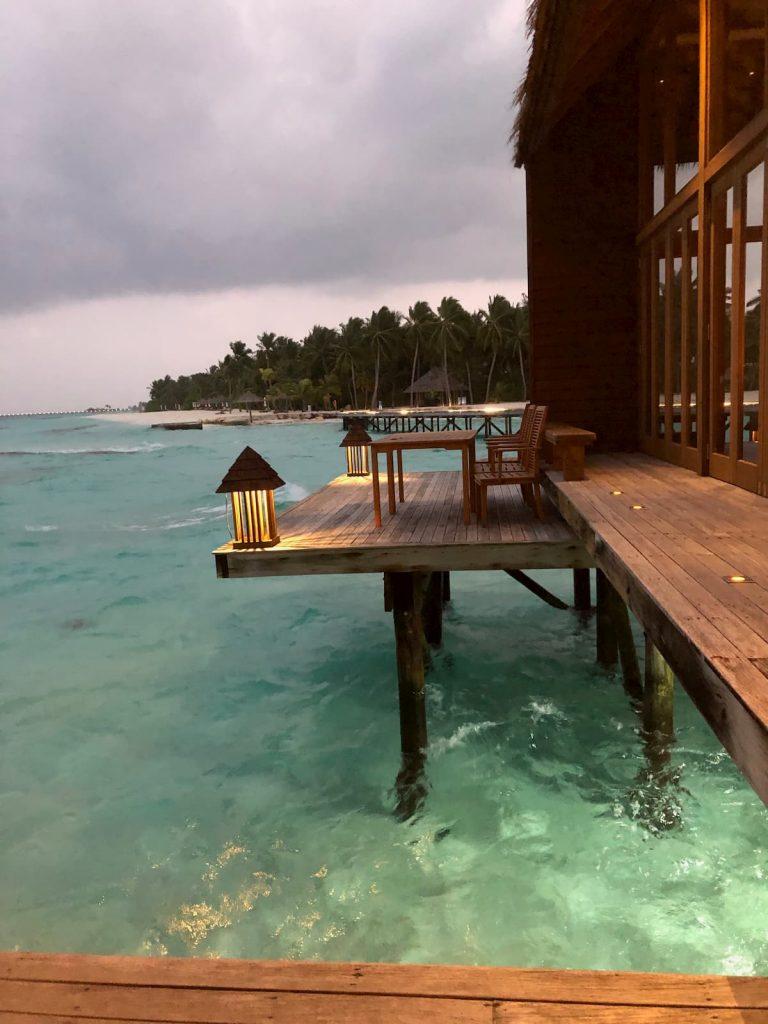 mandhoo-conrad-maldives-ocean