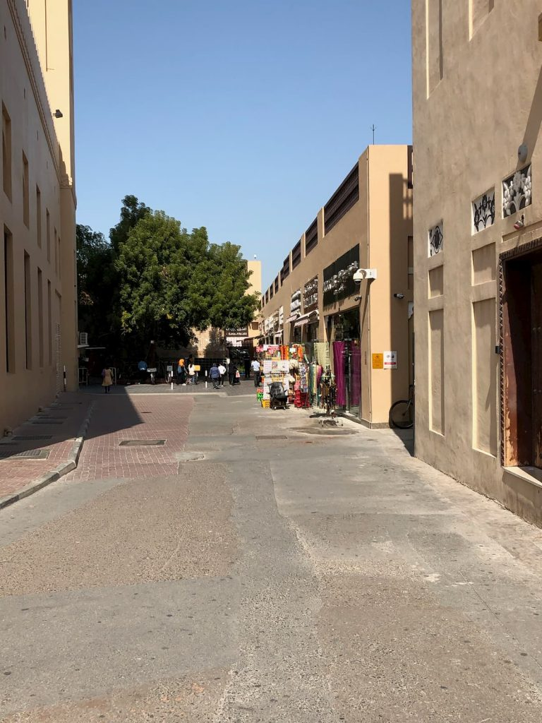 old-town-dubai-textiles-district-alleyway