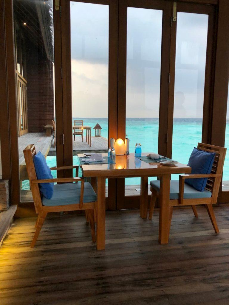seating-mandhoo-maldives-conrad
