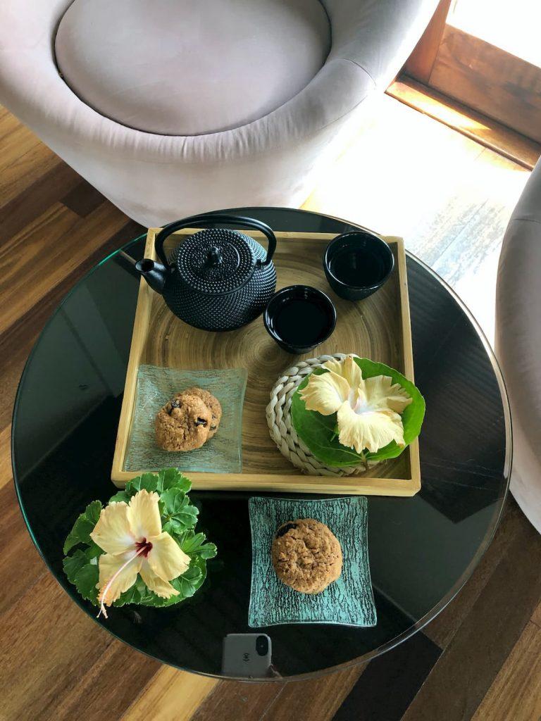 spa-maldives-tea-cookies-snack-flower