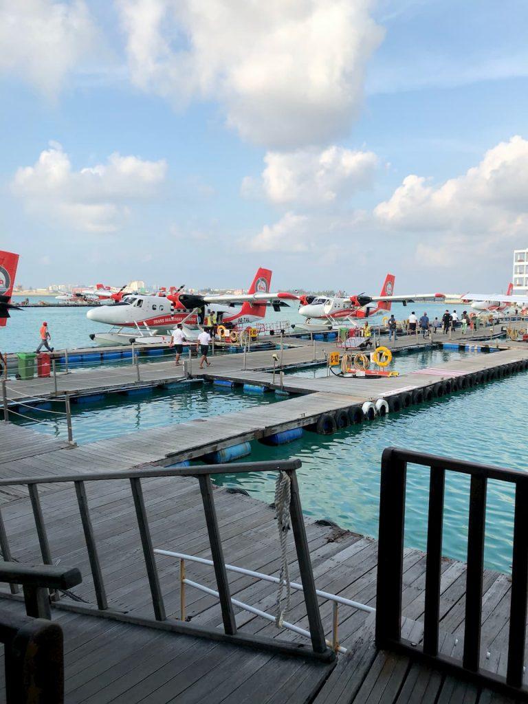 male-airport-seaplanes-walkways