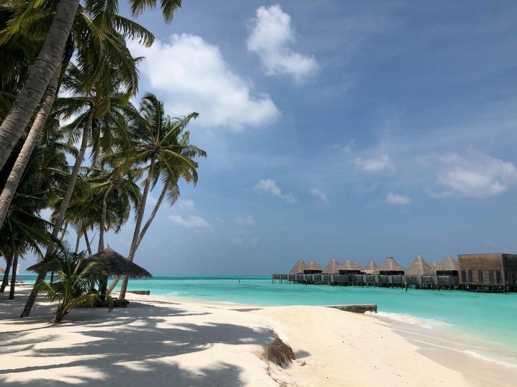 spa-maldives-sand-shore-view
