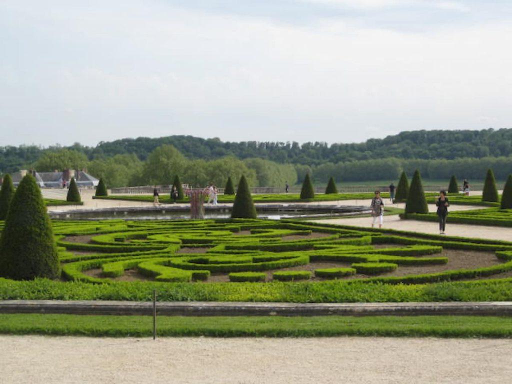 versailles-gardens-rear