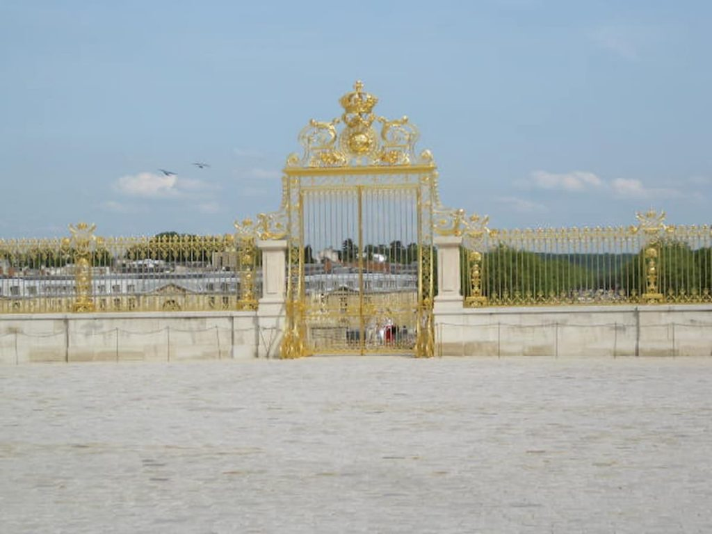 versailles-golden-gate-entrance